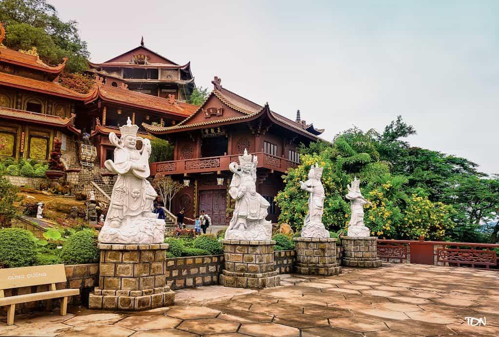 Chùa Hang là chốn thanh tịnh nổi tiếng của Châu Đốc tỉnh An Giang (ảnh sưu tầm)
