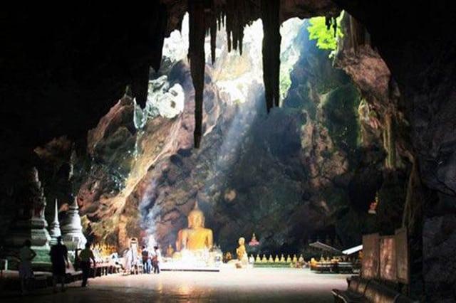 Chùa Tiên Sơn - Một trong các điểm du lịch ở Hà Tiên đẹp (Ảnh sưu tầm)