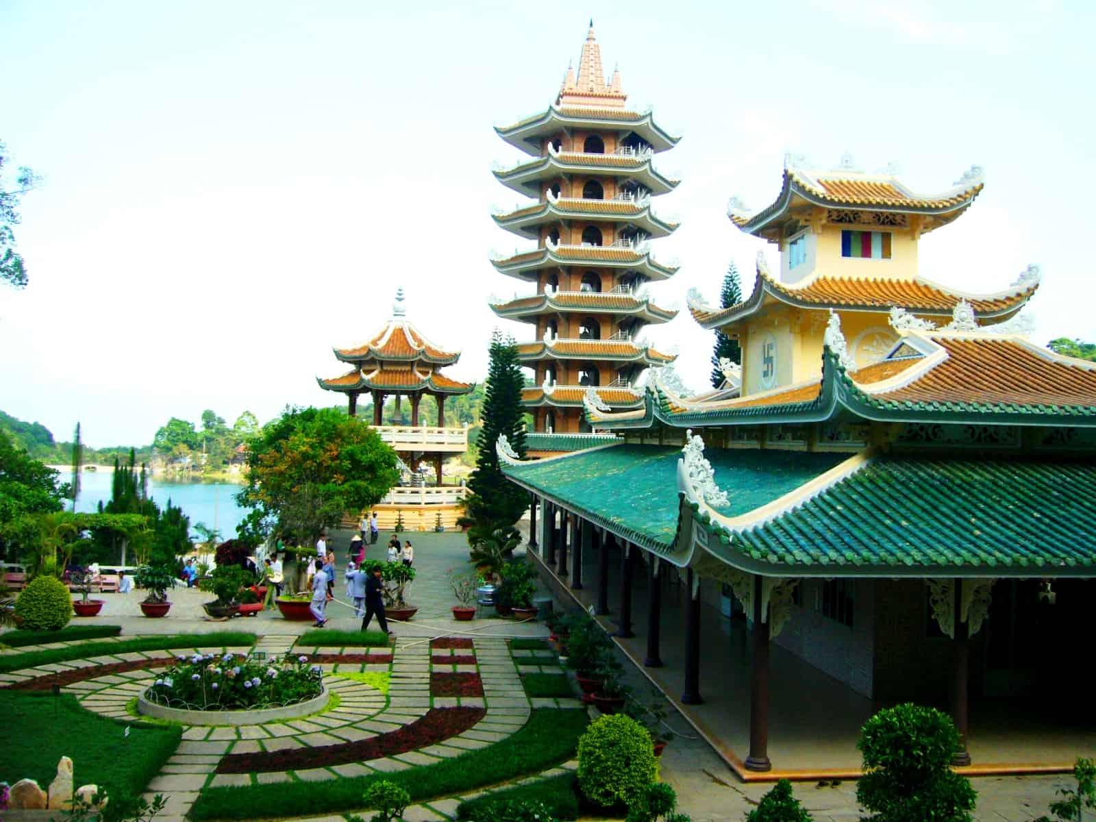 Du lịch Châu Đốc Chùa Vạn Linh (ảnh sưu tầm)