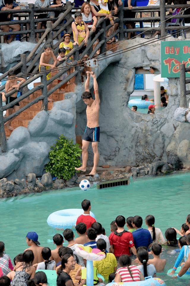 Khu vui chơi các trò mạo hiểm tại công viên nước (Ảnh: Sưu tầm)