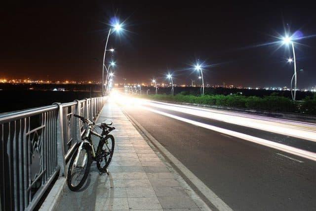 Đạp xe hóng gió (Ảnh: ST)