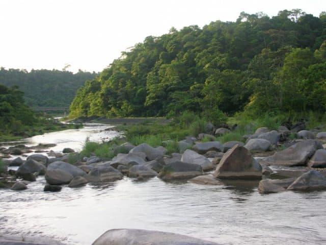 Dòng suối - hồ Trại Tiểu