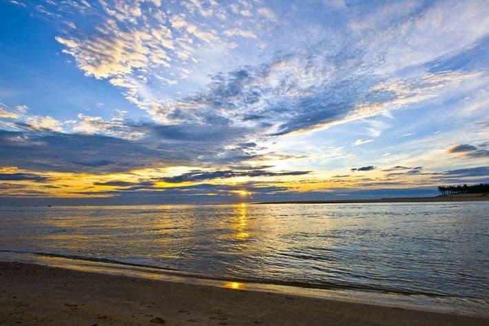 Hoàng hôn biển Nhật Lệ Quảng Bình