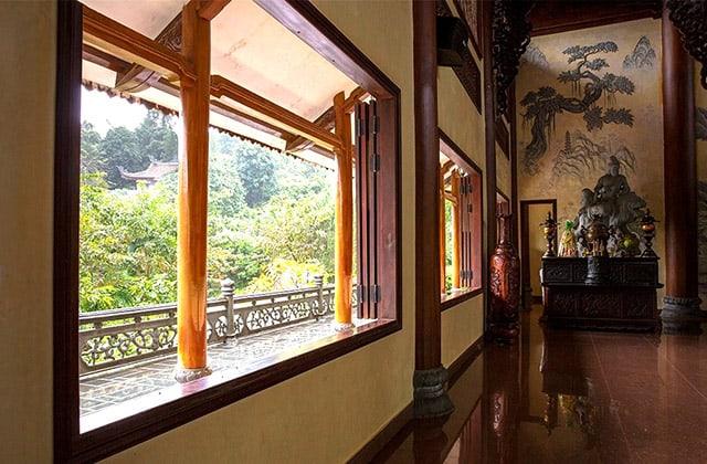 Không gian bên trong Thiền viện Bạch Mã