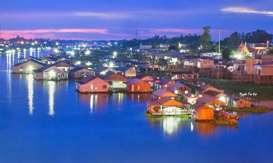 Khu du lịch làng nổi Châu Đốc đẹp lung linh huyền ảo về đêm (ảnh sưu tầm)