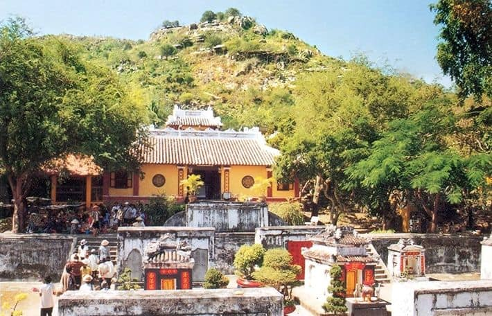 Tham quan Lăng Thoại Ngọc Hầu còn sót lại từ thời nhà Nguyễn cổ kính mà trang nghiêm (ảnh sưu tầm)