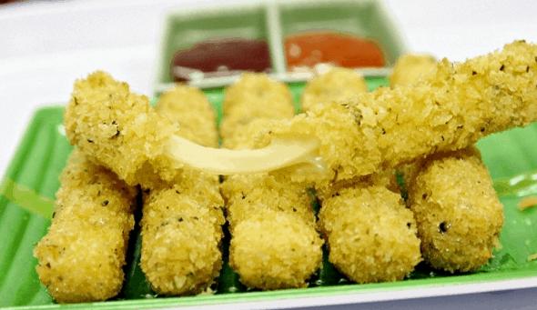 Hẻm 177 Lý Tự Trọng là địa chỉ ăn ngon ở Sài Gòn (Ảnh ST)