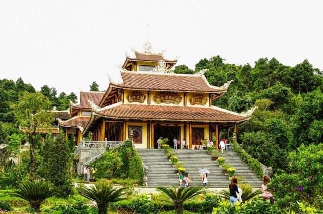 Ngoại viện từ ngoài nhìn vào - Thiền viện Trúc Lâm Bạch Mã