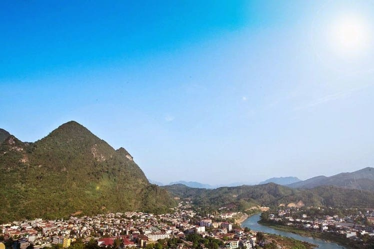 Núi Cẩm Sơn nhìn từ trên cao