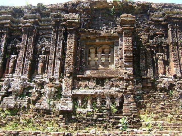 Những kiến trúc nghệ thuật, điêu khắc tinh xảo còn in dấu đậm nét tại Mỹ Sơn (Ảnh: Sưu tầm)