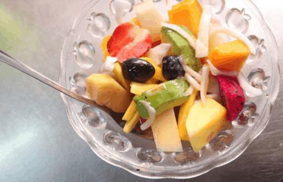 Tô trái cây thơm ngon