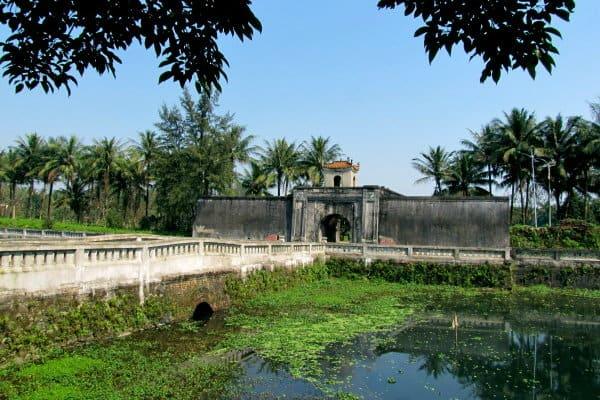 Thành cổ Quảng Trị ngày nay ngập tràn màu xanh của cây cối