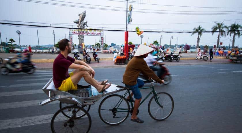 Du lịch Châu Đốc An Giang bằng xe đạp lôi cũng là một nét văn hóa (ảnh sưu tầm)