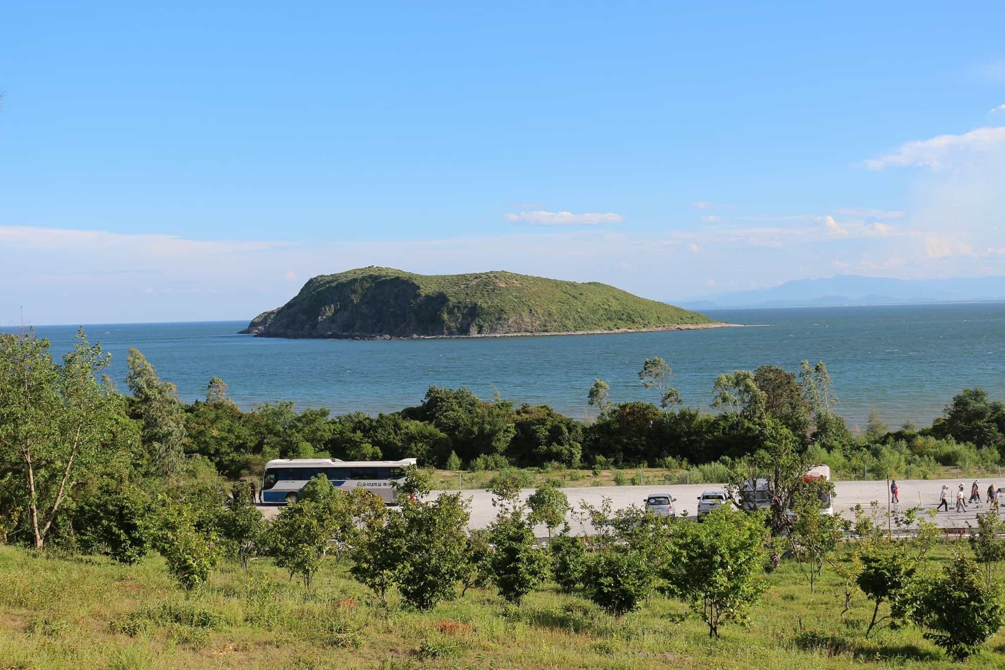 Khu di tích Vũng Chùa - Đảo Yến