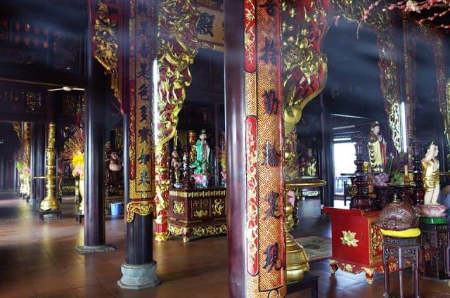 Kiến trúc ngôi chùa cổ kính, độc đáo, thu hút sự chú ý khi khách du lịch ghé đến tham quan
