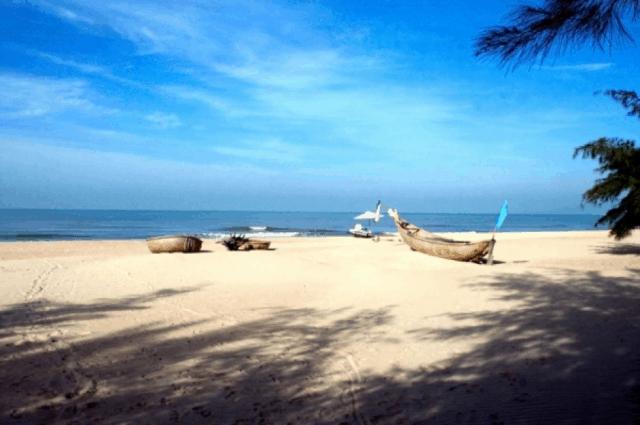 Biến Suối Ồ hấp dẫn du khách với vẻ đẹp vô cùng hoang sơ