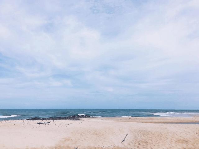 Biển Suối Ồ trong xanh hiền hoà