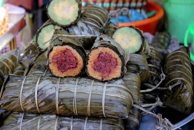 Bánh được bày bán khắp các chợ ở Phú Quốc