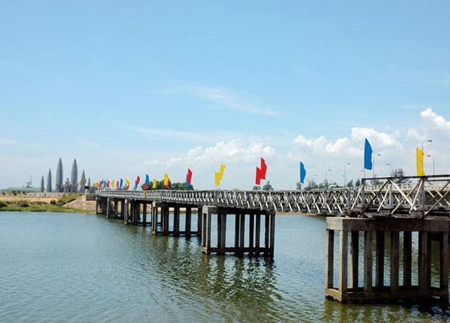 Kết quả hình ảnh cho cầu hiền lương sông bến hải