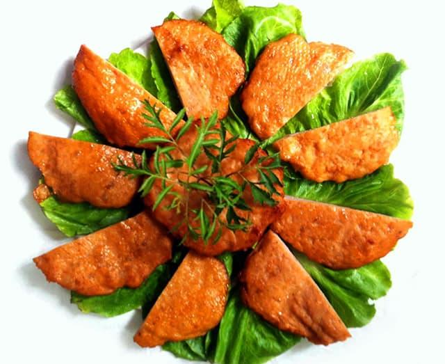 Món chả đặc sản cua thường được làm cho dịp Tết