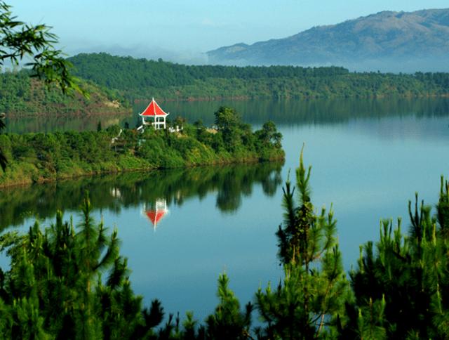 Một góc nhỏ của Hồ T'Nưng. (Ảnh ST)