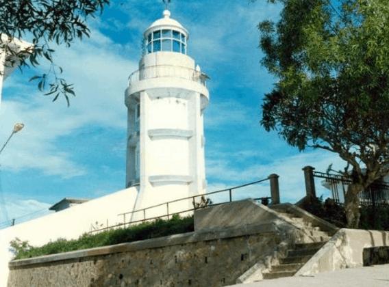 Hải đăng là điểm tham quan lý tưởng ở núi Nhỏ (Ảnh ST)