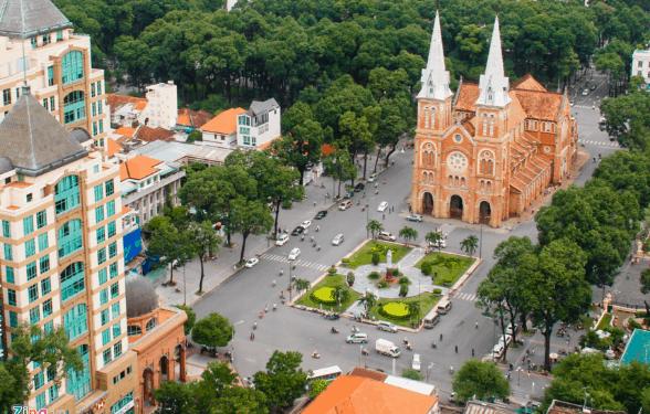 Nhà thờ Đức Bà là địa điểm tham quan Sài Gòn rất nổi tiếng