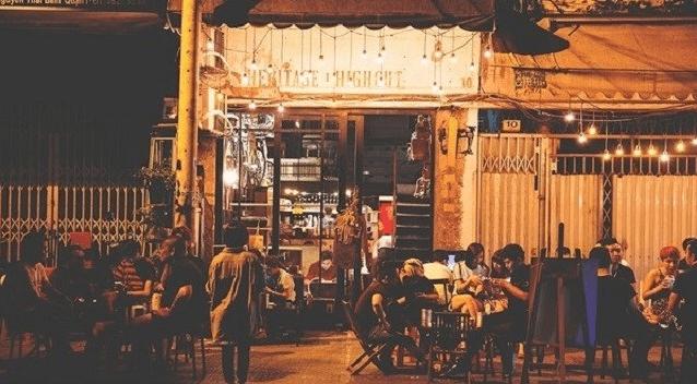 Quán cafe là điểm đến của những bạn trẻ yêu thích sự yên tĩnh