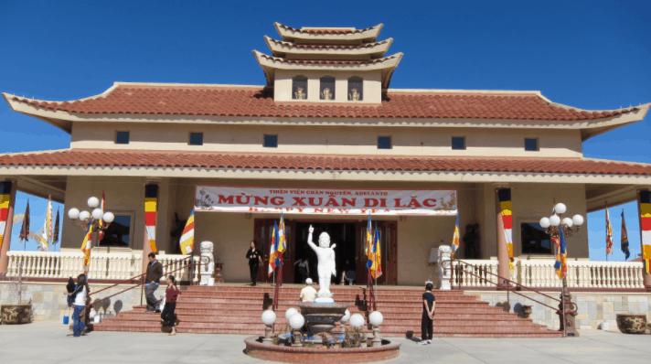 thiền viện trúc lâm chân nguyên là địa điểm tham quan đẹp tại Long Hải