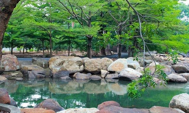 Khung cảnh bình yên thanh tịnh ở khu du lịch Thủy Châu