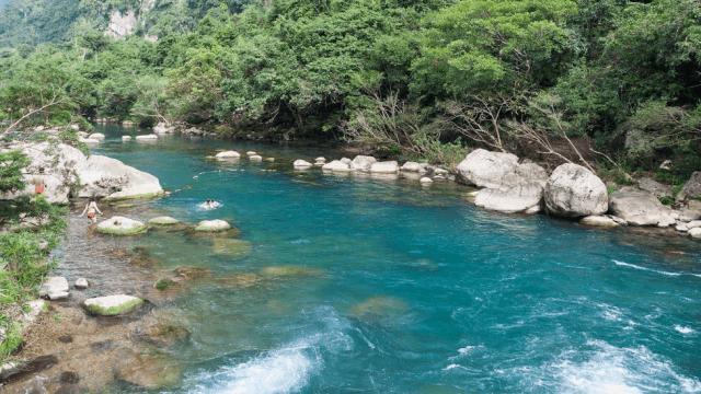 Suối Nước Moọc Quảng Bình 01