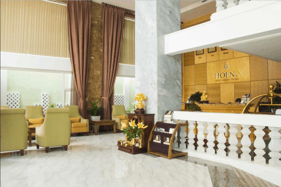 Đại sảnh rộng và sang trọng của khách sạn Phoenix
