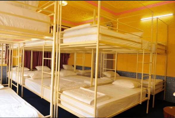 Phòng ngủ tập thể với giường tầng kiểu cách