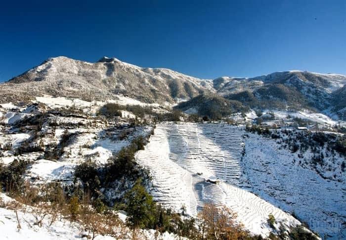 Cảnh đẹp ruộng bậc thang mùa tuyết rơi