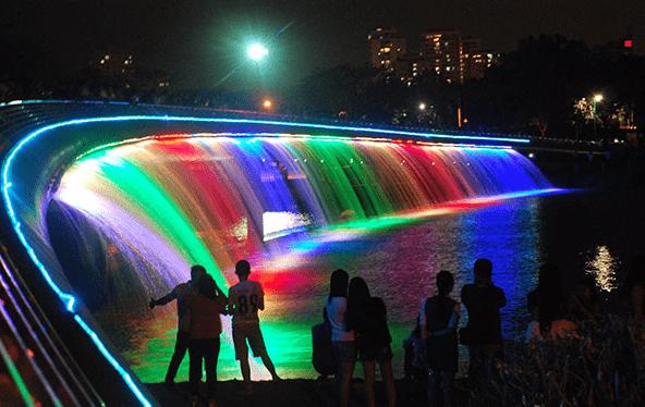 Cầu Ánh Sao - Địa điểm vui chơi ở Sài Gòn hấp dẫn giới trẻ