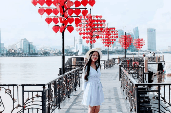 Cầu tình yêu - Điểm đến của những cặp đôi