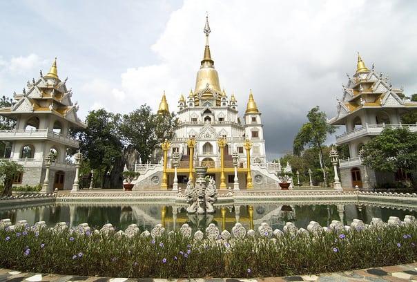 Chiêm ngưỡng kiệt tác chùa Hang trong khu du lịch Bửu Long