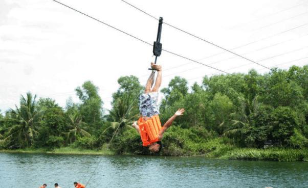 Có nhiều hoạt đông vui chơi tại khuôn viên khu du lịch