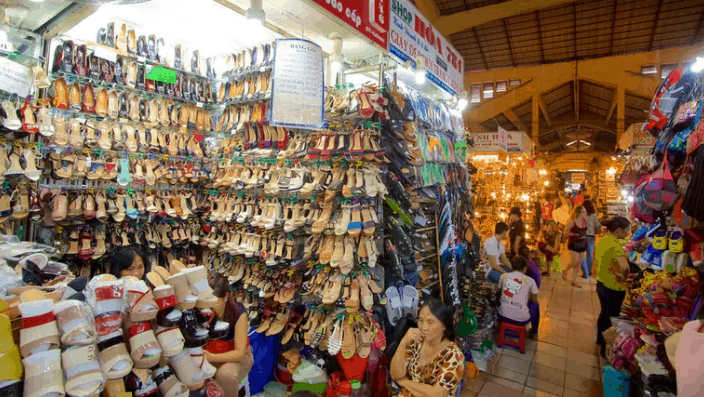 Có rất nhiều mặt hàng được bán tại chợ Bến Thành