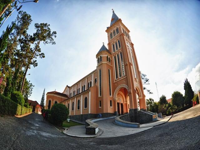 Nhà thờ Con Gà - địa điểm du lịch Đà Lạt