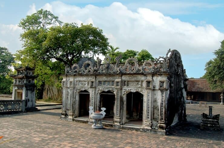 Đền thánh Nguyễn là nơi thờ thiền sư Nguyễn Minh Không