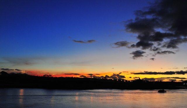Hoàng hôn chiều buông trên sông Đăk Bla (Ảnh sưu tầm)