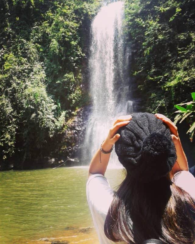 Lặng ngắm nhìn ngọn thác chảy (Ảnh ST)