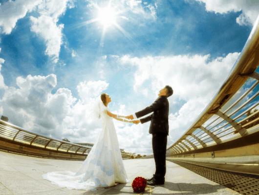 Ảnh cưới đẹp lộng lẫy trên cầu Ánh Sao