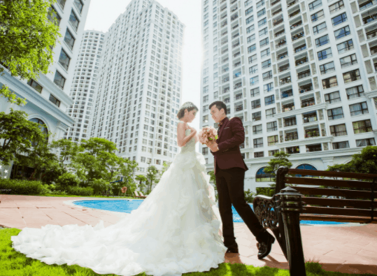 Ảnh cưới hiện đại được chụp tại khu đô thị Phú Mỹ Hưng