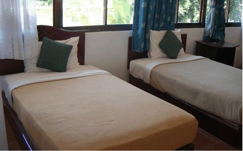 Phòng ngủ được thiết kế theo phong cách đơn giản mà ấm cúng
