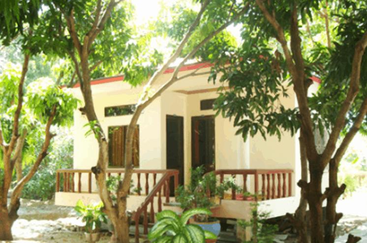 Mỗi phòng như được xây như một khu nhà riêng trong vườn cây mát mẻ