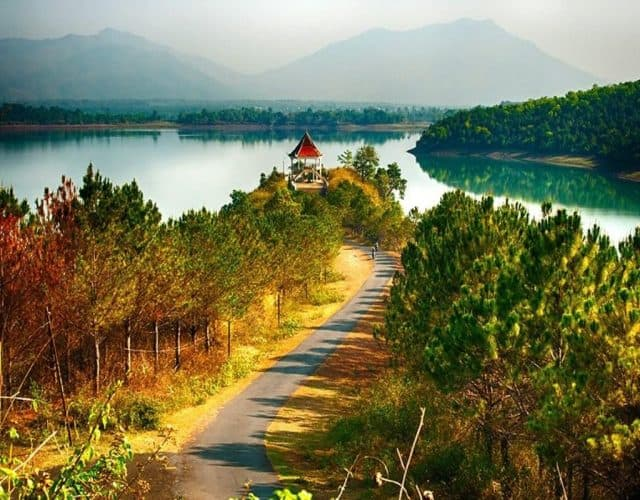 Image result for biển hồ gia lai