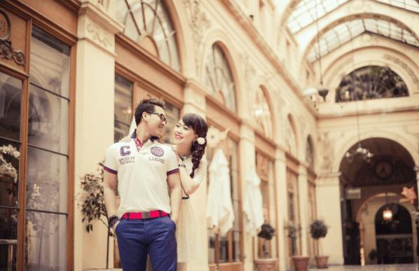 Bộ ảnh cưới lãng mạng tại Bưu điện thành phố