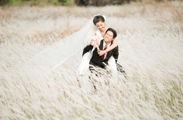 Cánh đồng cỏ lau - Địa điểm chụp ảnh cưới lý tưởng
